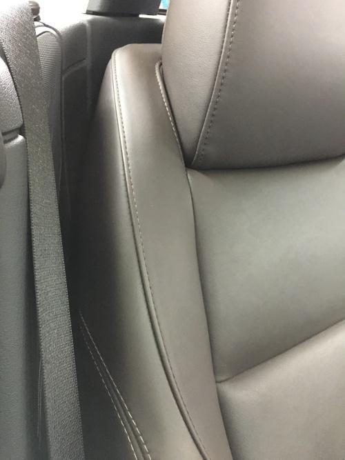 BMW Z4 レザーシート擦れ補修|東京 世田谷区