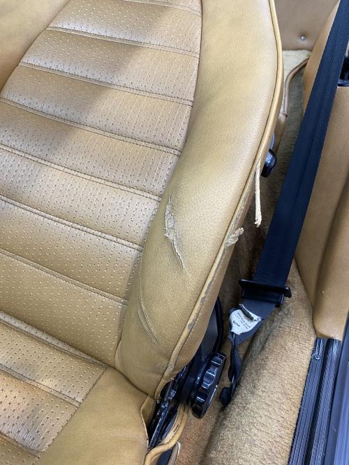 ポルシェ911 レザーシート 破れ 補修|東京 中央区