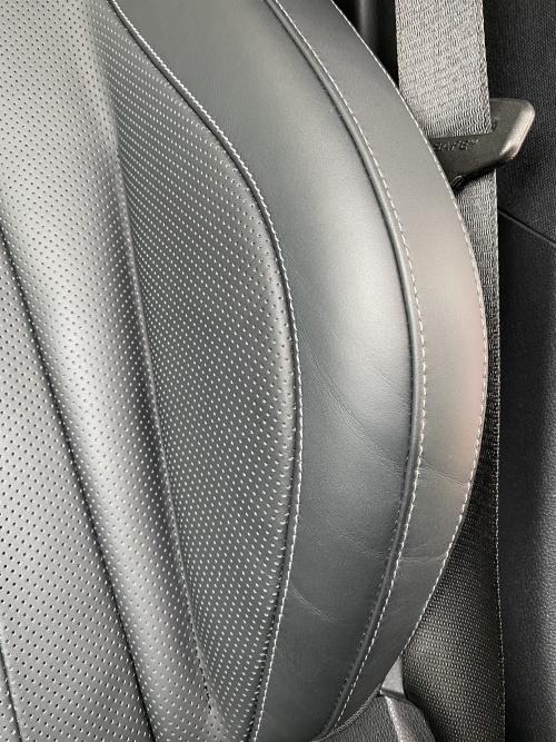 ベンツ E400 レザーシート 傷 擦れ 補修 東京 世田谷区